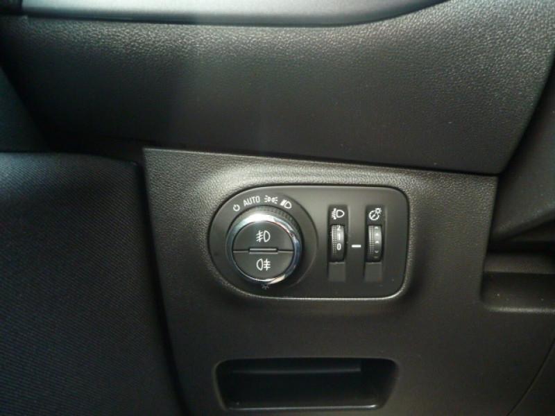 Photo 11 de l'offre de OPEL CORSA 1.4 90CH DESIGN 120 ANS START/STOP 5P à 10990€ chez J'NOV AUTO