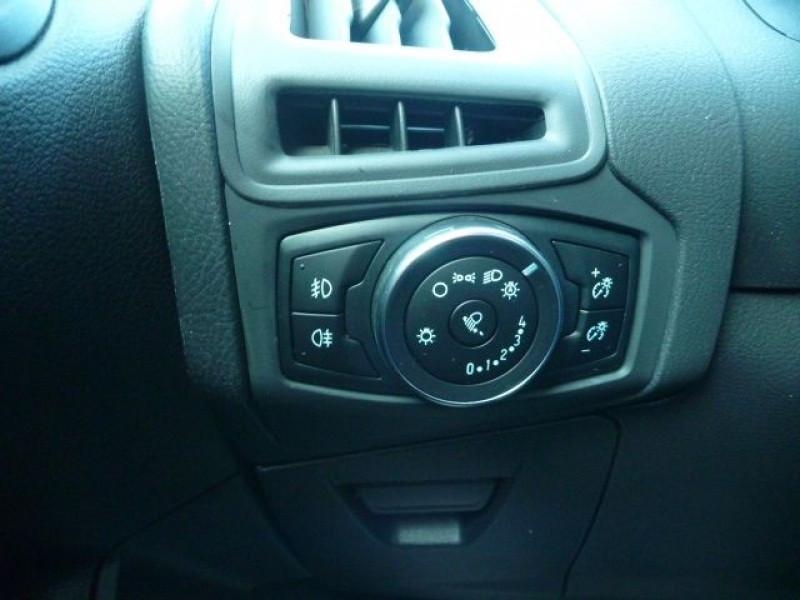 Photo 14 de l'offre de FORD FOCUS SW 1.5 TDCI 105CH ECONETIC STOP&START EXECUTIVE à 9990€ chez J'NOV AUTO