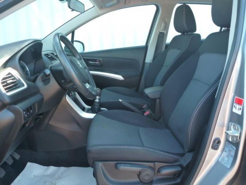 Photo 6 de l'offre de SUZUKI SX4 S-CROSS 1.6 DDIS PRIVILEGE à 10250€ chez J'NOV AUTO