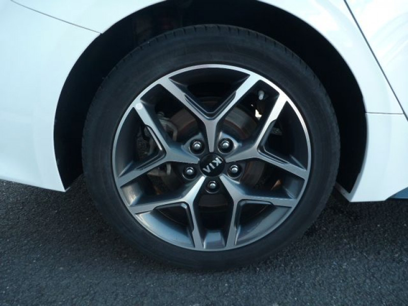 Photo 18 de l'offre de KIA PRO CEE'D 1.6 CRDI 136CH ISG GT LINE DCT7 à 22490€ chez J'NOV AUTO