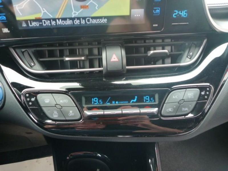 Photo 13 de l'offre de TOYOTA C-HR 122H DISTINCTIVE 2WD E-CVT à 20490€ chez J'NOV AUTO