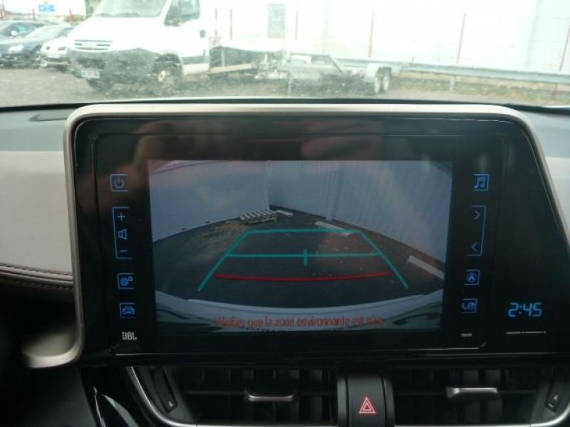 Photo 8 de l'offre de TOYOTA C-HR 122H DISTINCTIVE 2WD E-CVT à 20490€ chez J'NOV AUTO