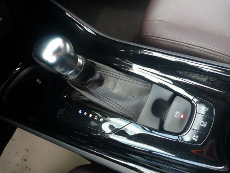 Photo 12 de l'offre de TOYOTA C-HR 122H DISTINCTIVE 2WD E-CVT à 20490€ chez J'NOV AUTO