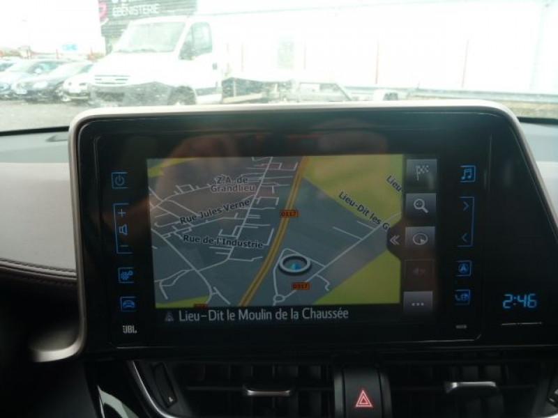 Photo 9 de l'offre de TOYOTA C-HR 122H DISTINCTIVE 2WD E-CVT à 20490€ chez J'NOV AUTO