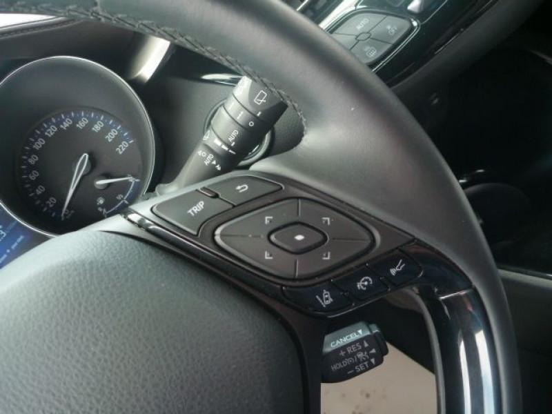 Photo 11 de l'offre de TOYOTA C-HR 122H DISTINCTIVE 2WD E-CVT à 20490€ chez J'NOV AUTO