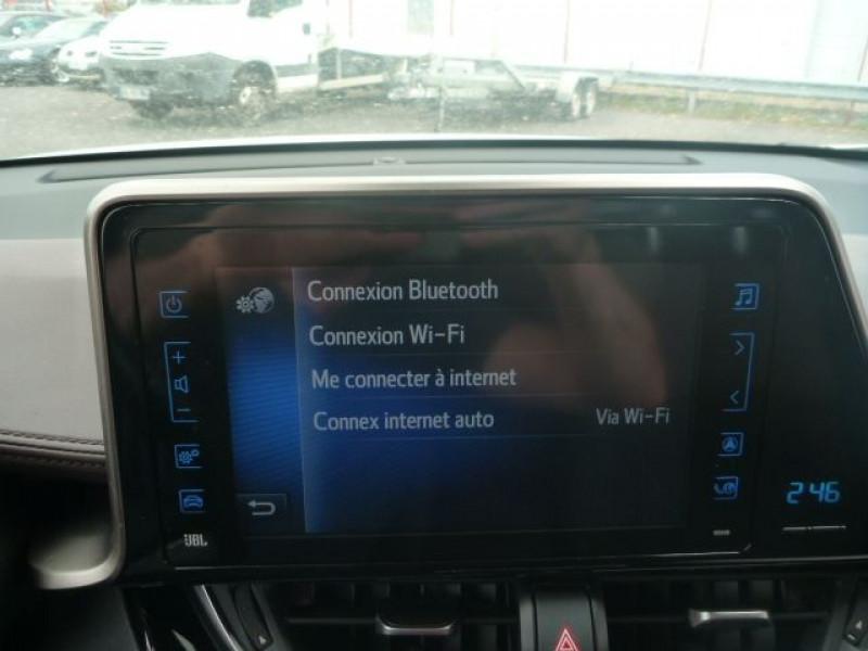 Photo 16 de l'offre de TOYOTA C-HR 122H DISTINCTIVE 2WD E-CVT à 20490€ chez J'NOV AUTO