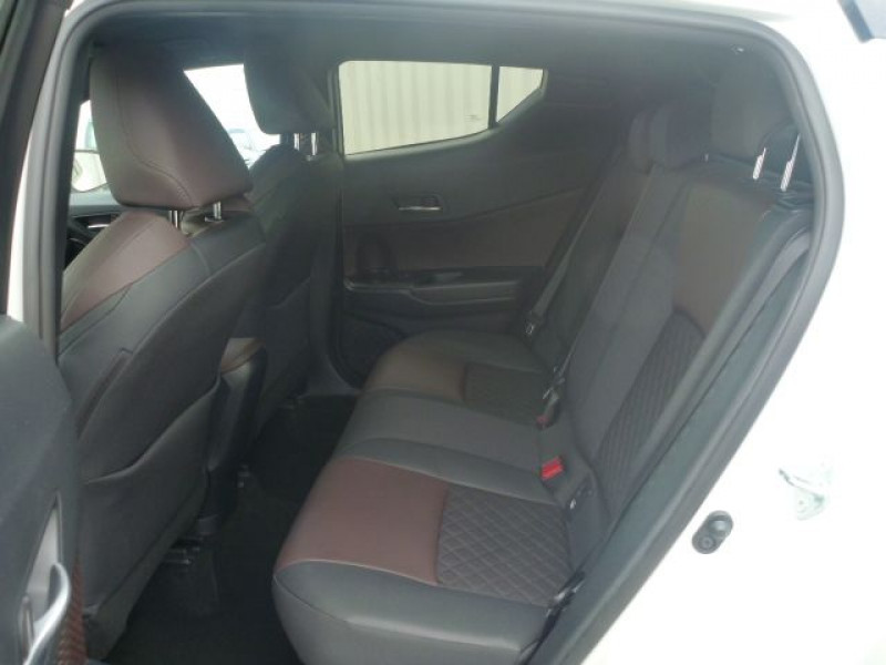 Photo 5 de l'offre de TOYOTA C-HR 122H DISTINCTIVE 2WD E-CVT à 20490€ chez J'NOV AUTO