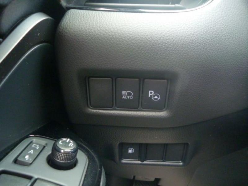 Photo 14 de l'offre de TOYOTA C-HR 122H DISTINCTIVE 2WD E-CVT à 20490€ chez J'NOV AUTO