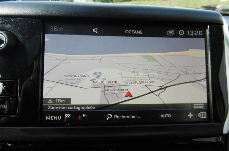 Photo 12 de l'offre de PEUGEOT 2008 1.2 PURETECH 110CH ACTIVE GPS TOIT PANO CAMERA à 16750€ chez Vent d'ouest automobiles