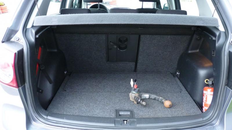 Photo 6 de l'offre de VOLKSWAGEN GOLF PLUS 1.6 TDI 105CH FAP CONFORTLINE à 9750€ chez Vent d'ouest automobiles