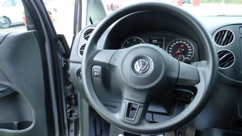 Photo 10 de l'offre de VOLKSWAGEN GOLF PLUS 1.6 TDI 105CH FAP CONFORTLINE à 9750€ chez Vent d'ouest automobiles