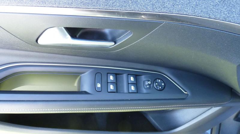 Photo 12 de l'offre de PEUGEOT 3008 1.5 BLUEHDI 130CH E6.C GT LINE S&S à 24990€ chez Vent d'ouest automobiles
