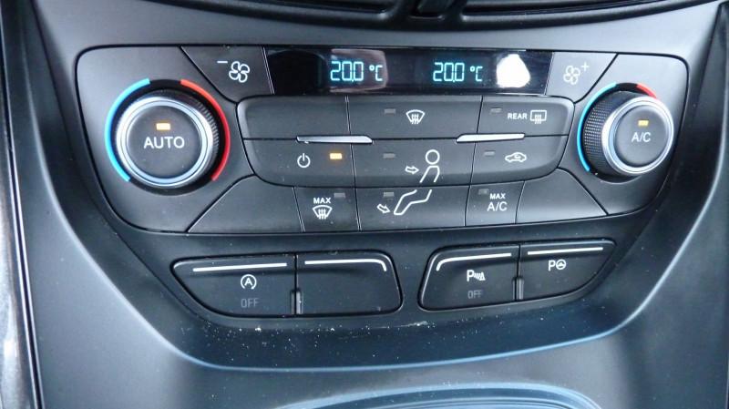 Photo 12 de l'offre de FORD KUGA 2.0 TDCI 150CH STOP&START ST-LINE 4X4 POWERSHIFT à 21490€ chez Vent d'ouest automobiles
