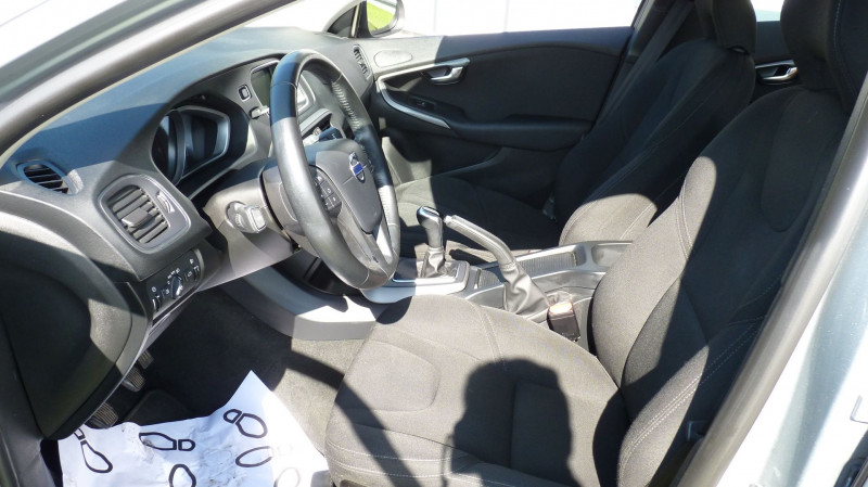 Photo 8 de l'offre de VOLVO V40 D2 120CH KINETIC à 13500€ chez Vent d'ouest automobiles