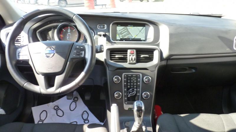 Photo 9 de l'offre de VOLVO V40 D2 120CH KINETIC à 13500€ chez Vent d'ouest automobiles