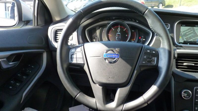 Photo 10 de l'offre de VOLVO V40 D2 120CH KINETIC à 13500€ chez Vent d'ouest automobiles