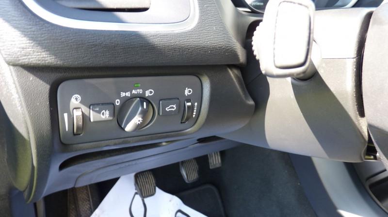Photo 13 de l'offre de VOLVO V40 D2 120CH KINETIC à 13500€ chez Vent d'ouest automobiles