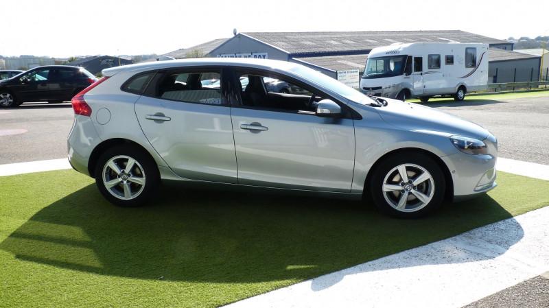 Photo 4 de l'offre de VOLVO V40 D2 120CH KINETIC à 13500€ chez Vent d'ouest automobiles