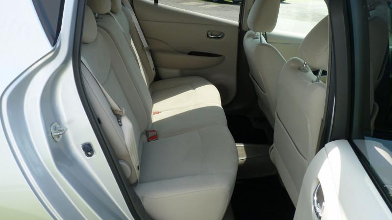 Photo 5 de l'offre de NISSAN LEAF 109CH à 8950€ chez Vent d'ouest automobiles