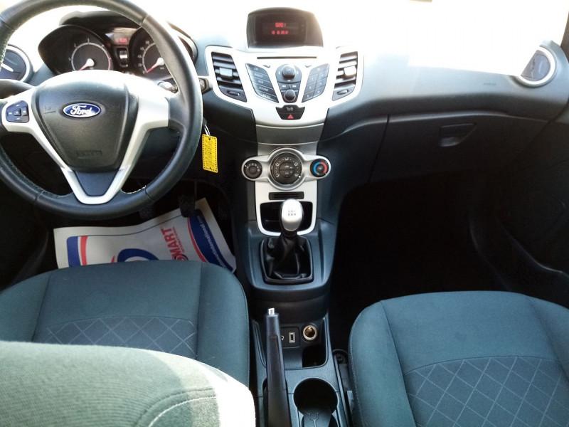 Photo 3 de l'offre de FORD FIESTA TDCI   1.4L 70CH  AMBIENTE 5P à 5900€ chez Automobile nimois