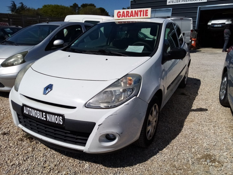 Renault CLIO III STE 1.5 DCI 75CH AIR ECO² 3P Diesel BLANC Occasion à vendre