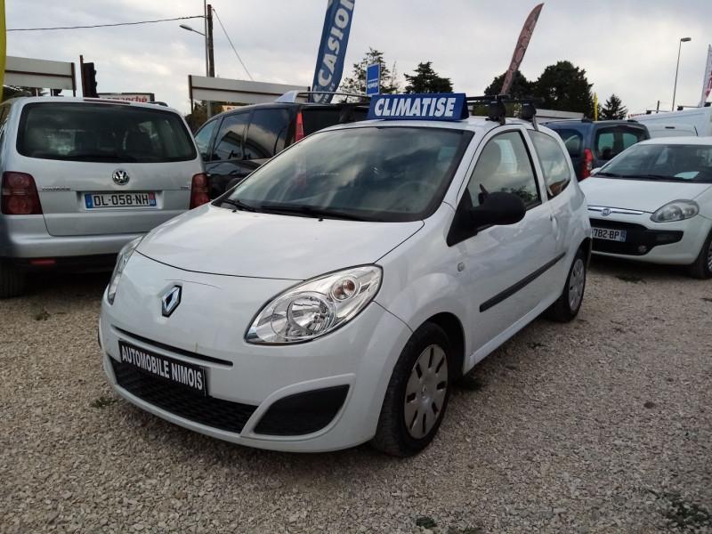 Renault TWINGO II 1.2 LEV 16V 75CH AUTHENTIQUE Essence BLANC Occasion à vendre