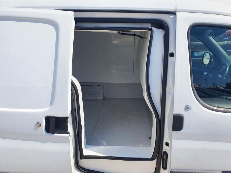 Photo 7 de l'offre de PEUGEOT PARTNER DIIESEL 1.9L FRIGORIFIQUE à 5900€ chez Automobile nimois