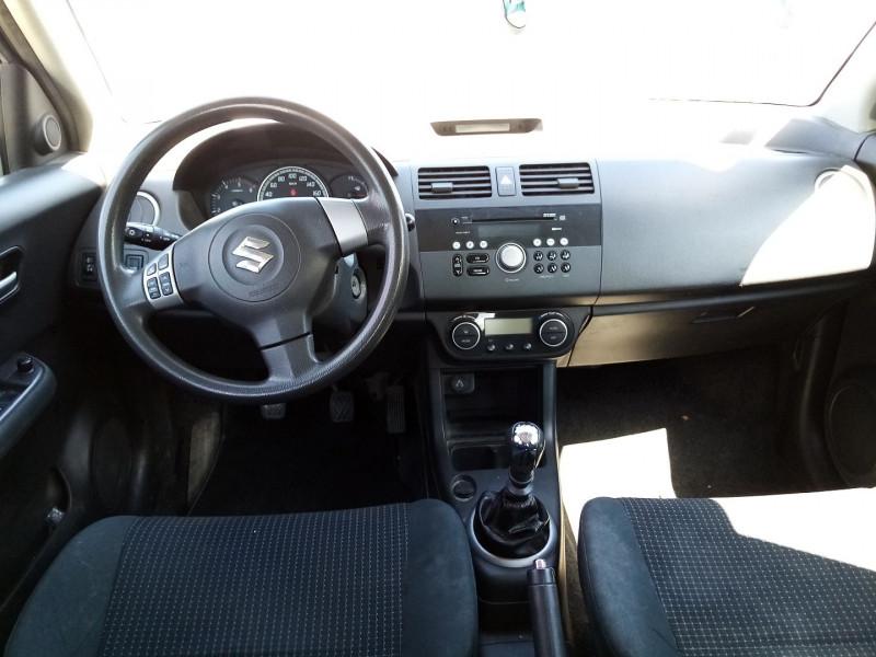 Photo 3 de l'offre de SUZUKI SWIFT DDIS 1.3L  GL 5P à 3900€ chez Automobile nimois