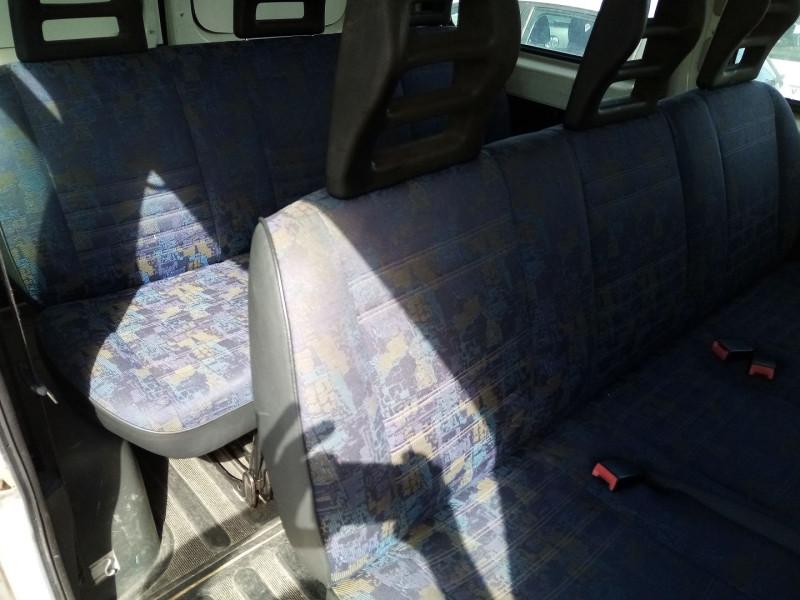 Photo 4 de l'offre de PEUGEOT BOXER HDI  2.L 85 COMBI 290C 9 PLACES à 4500€ chez Automobile nimois