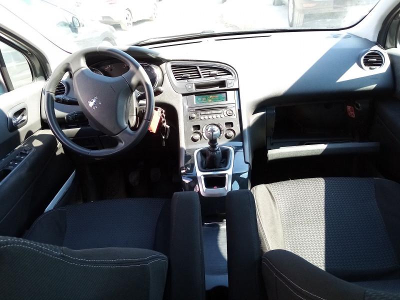 Photo 3 de l'offre de PEUGEOT 5008 HDI  1.6L  PREMIUM 5PL à 5900€ chez Automobile nimois