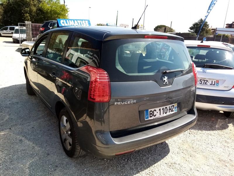 Photo 2 de l'offre de PEUGEOT 5008 HDI  1.6L  PREMIUM 5PL à 5900€ chez Automobile nimois