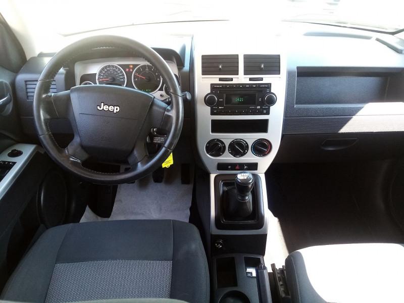 Photo 3 de l'offre de JEEP PATRIOT 2.0 CRD LIMITED à 6990€ chez Automobile nimois