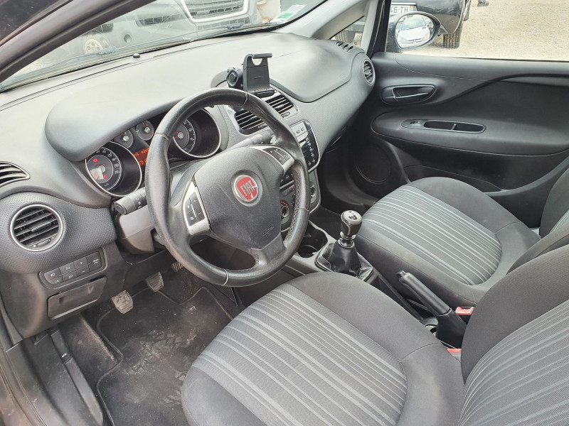 Photo 5 de l'offre de FIAT PUNTO EVO 1.2 8V 69CH S&S MYLIFE 5P à 4200€ chez Automobile nimois