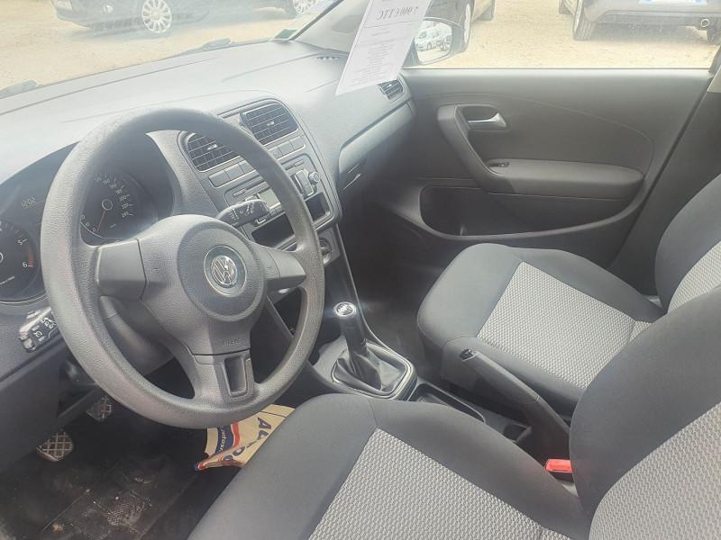 Photo 4 de l'offre de VOLKSWAGEN POLO TDI 1.6L 75CH  TRENDLINE 5P à 7900€ chez Automobile nimois