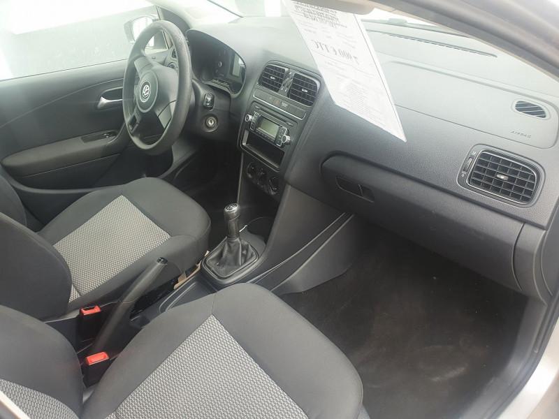Photo 5 de l'offre de VOLKSWAGEN POLO TDI 1.6L 75CH  TRENDLINE 5P à 7900€ chez Automobile nimois