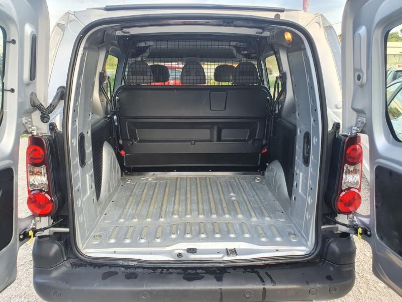 Photo 7 de l'offre de CITROEN BERLINGO HDI 21 L2 1.6L 90 CABINE APPROFONDIE CONFORT à 10500€ chez Automobile nimois
