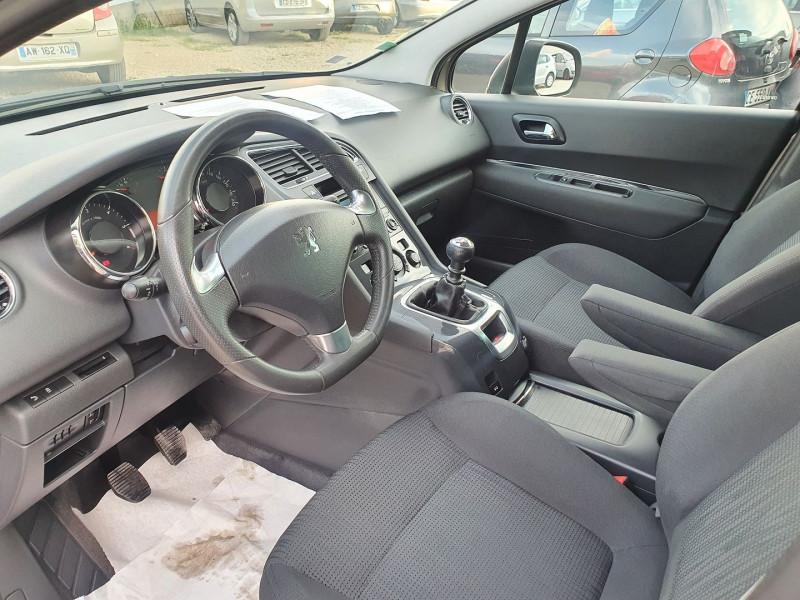 Photo 5 de l'offre de PEUGEOT 5008 HDI  1.6L  115  STYLE 7 PLACES à 7900€ chez Automobile nimois