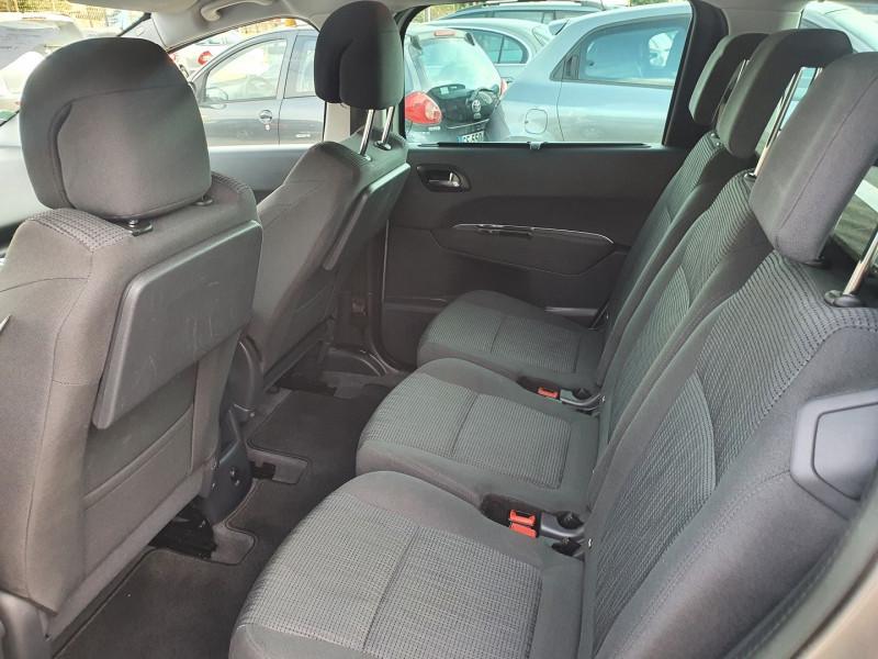 Photo 9 de l'offre de PEUGEOT 5008 HDI  1.6L  115  STYLE 7 PLACES à 7900€ chez Automobile nimois