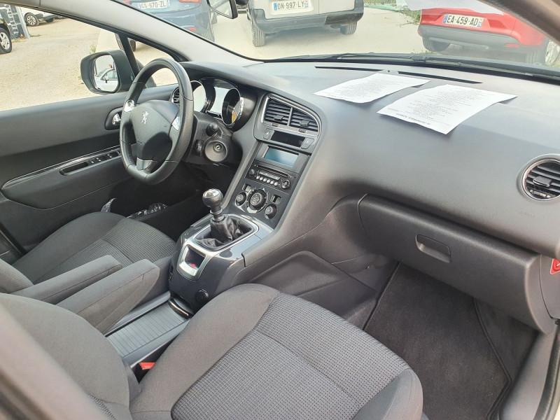 Photo 8 de l'offre de PEUGEOT 5008 HDI  1.6L  115  STYLE 7 PLACES à 7900€ chez Automobile nimois