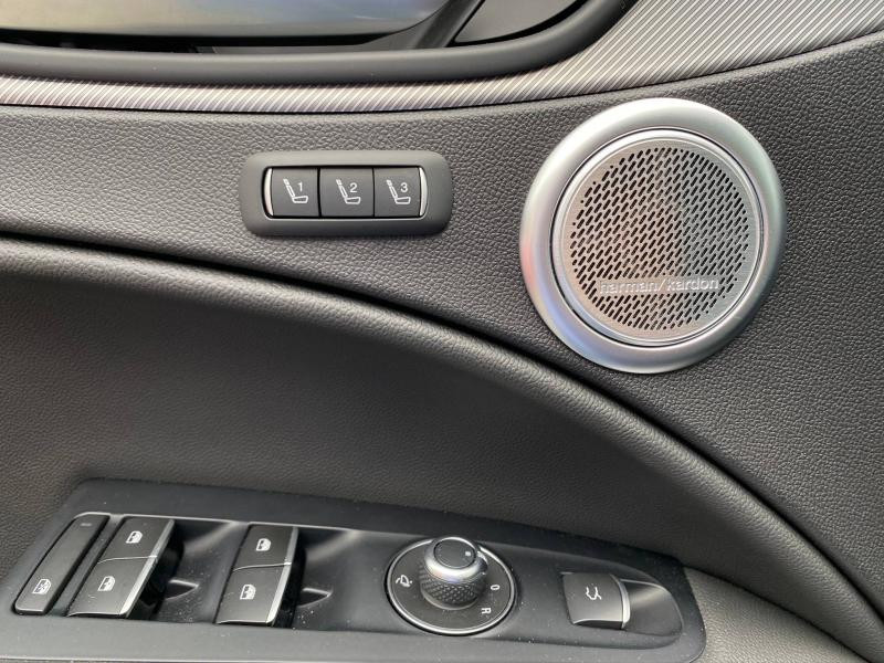 Photo 14 de l'offre de ALFA ROMEO Stelvio 2.2 Diesel 210ch Veloce Q4 AT8 MY20 à 55900€ chez Cap-Sud Automobiles - Quimper