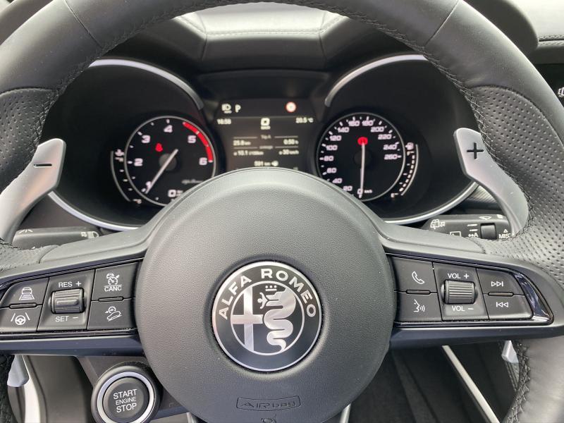 Photo 10 de l'offre de ALFA ROMEO Stelvio 2.2 Diesel 210ch Veloce Q4 AT8 MY20 à 55900€ chez Cap-Sud Automobiles - Quimper