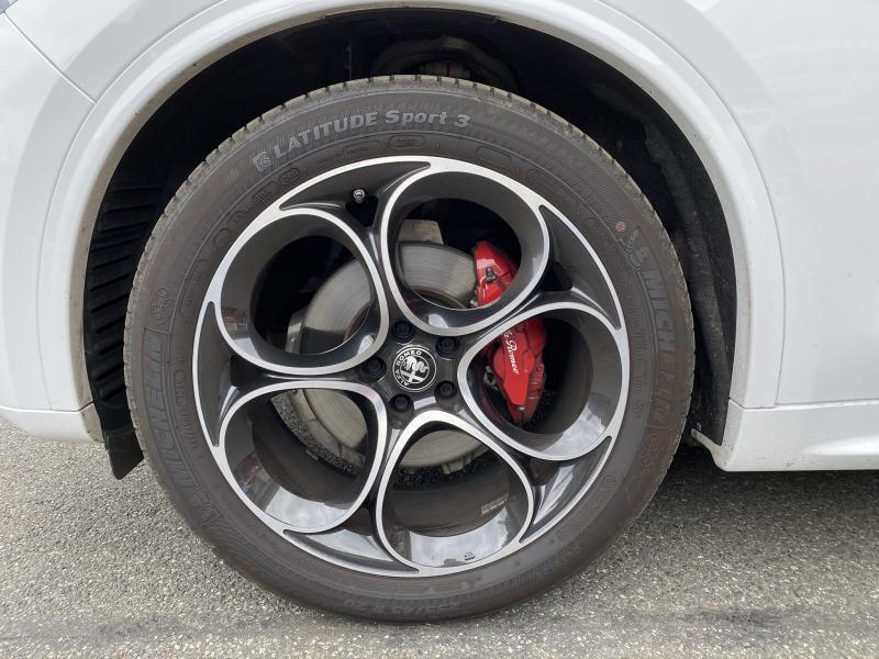 Photo 5 de l'offre de ALFA ROMEO Stelvio 2.2 Diesel 210ch Veloce Q4 AT8 MY20 à 55900€ chez Cap-Sud Automobiles - Quimper