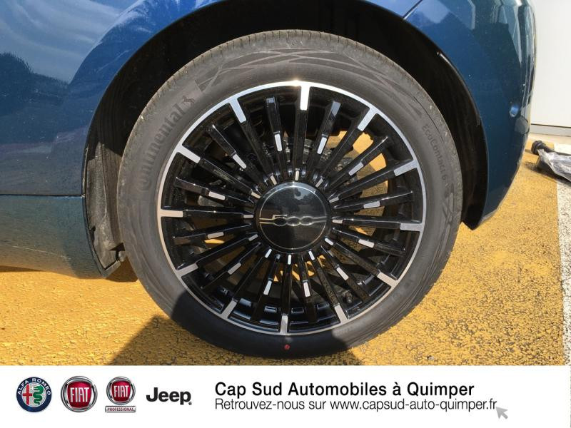 Photo 16 de l'offre de FIAT 500C e 118ch La Prima à 34990€ chez Cap-Sud Automobiles - Quimper