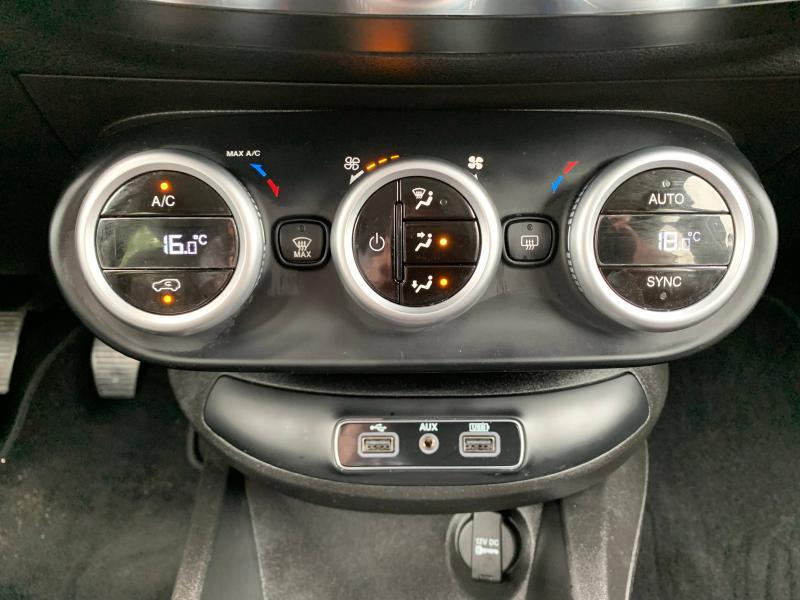 Photo 16 de l'offre de FIAT 500X 1.6 Multijet 16v 120ch Lounge à 14490€ chez Cap-Sud Automobiles - Quimper