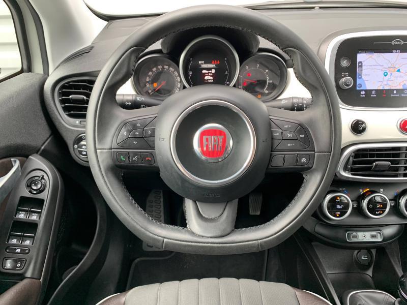 Photo 13 de l'offre de FIAT 500X 1.6 Multijet 16v 120ch Lounge à 14490€ chez Cap-Sud Automobiles - Quimper