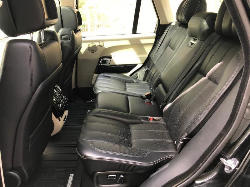 Photo 18 de l'offre de LAND-ROVER Range Rover 4.4 SDV8 Autobiography à 52950€ chez MURET - Citroën, DS Automobiles, VO toutes marques