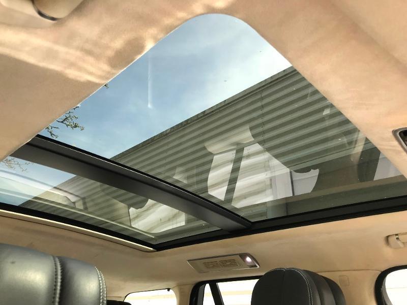 Photo 10 de l'offre de LAND-ROVER Range Rover 4.4 SDV8 Autobiography à 52950€ chez MURET - Citroën, DS Automobiles, VO toutes marques