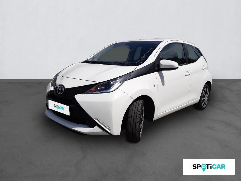 Toyota Aygo 1.0 VVT-i 69ch x-play 5p Essence BLANC Occasion à vendre