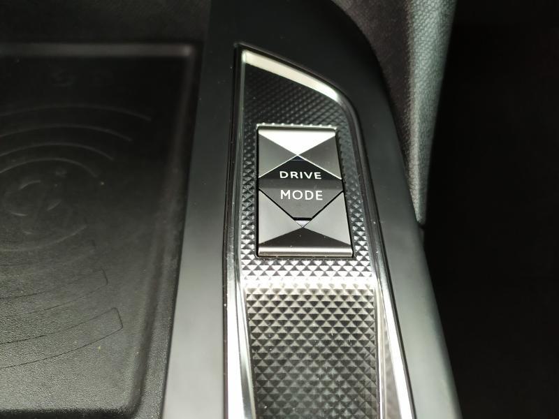 Photo 16 de l'offre de DS DS 3 Crossback BlueHDi 130ch Grand Chic Automatique à 34500€ chez Citroën Muret / DS SALON Muret