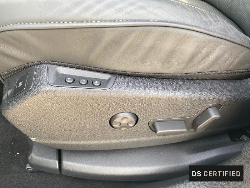 Photo 12 de l'offre de DS DS 7 Crossback PureTech 225ch Grand Chic Automatique 12cv 125g à 50500€ chez MURET - Citroën, DS Automobiles, VO toutes marques